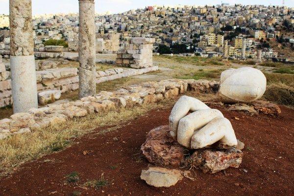 Ученые сообщили, что статуя трёх пальцев имеет отношение к храму Геркулеса