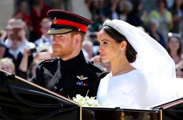 Принц Гарри отправился в Африку, а супруга Меган Маркл осталась дома
