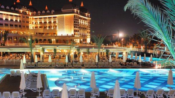 Россиянке угрожали в турецком отеле из-за фото в купальнике