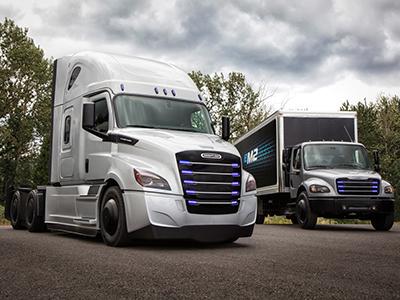 Daimler представил два электрических грузовика