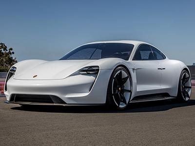 Porsche представил первый электрический спорткар Taycan