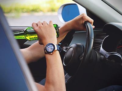 ВЦИОМ: Россияне считают пьяное вождение опаснее проезда на«красный»