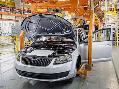 Объем производства легковых автомобилей в России снова растет
