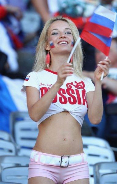 «Широкозадые женщины»: Блогер Лена Миро высмеяла российских моделей
