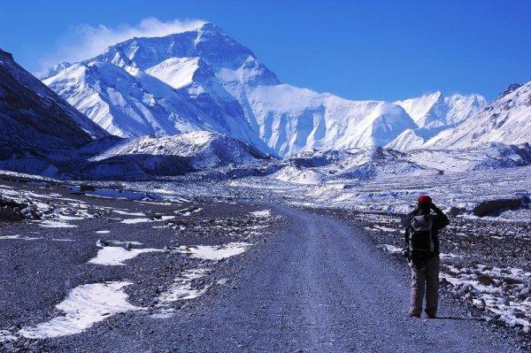 Казахский альпинист увидел на Эвересте призраков