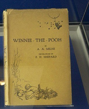 Принц Гарри подарил сыну Кейт Миддлтон первое издание книги про Винни Пуха