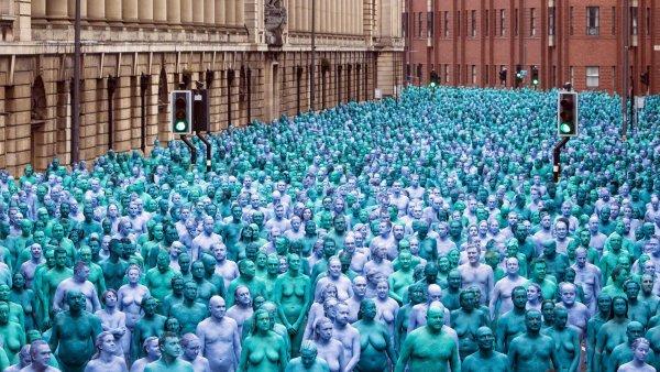 Австралийцы ради искусства решили массово оголиться