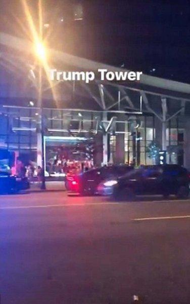 Вооруженная полиция напала на башню Трампа в Ванкувере