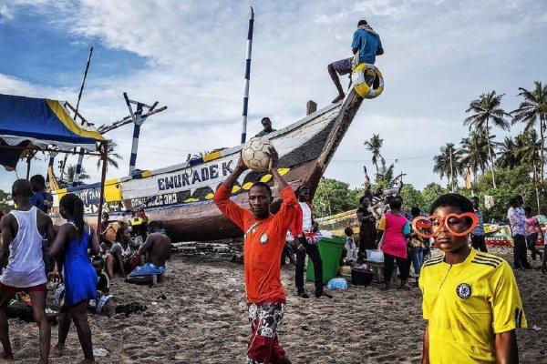 В Ленобласти два африканских футбольных фаната пытались мигрировать в Европу