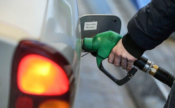 Путин разрешил поднимать налог на экспорт бензина