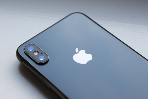Эксперты научили отличать поддельный iPhone X за $100 от оригинала