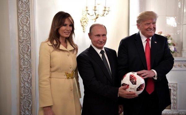 Подаренный Путиным мяч проверила служба безопасности Трампа
