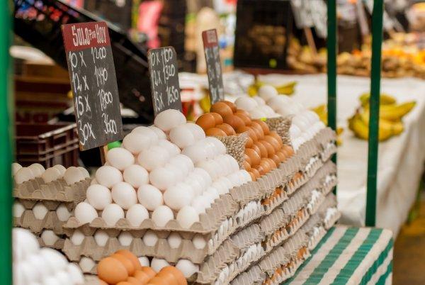 Яйца по 150 рублей заставили жителей Владивостока содрогнуться