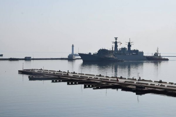 В порт Одессы прибыла группа военных кораблей НАТО