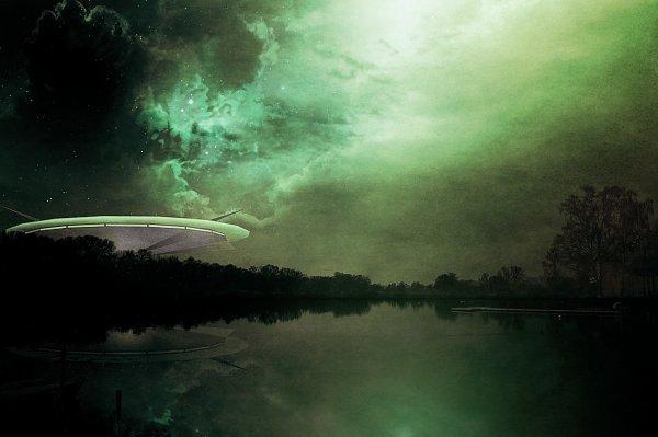 В США над озером пролетел зеленый светящийся НЛО