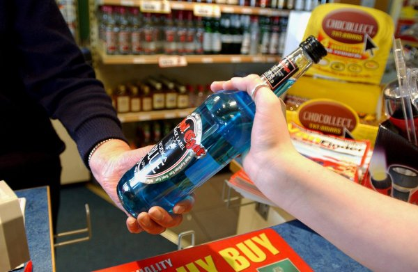 Белорусские чиновники в некоторых районах вводят ограничения на алкоголь