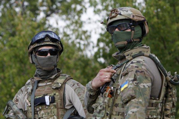 Украинский спецназ поздравили по-русски