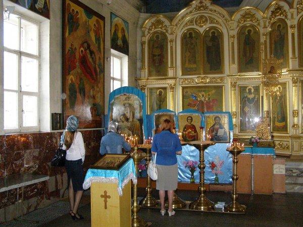 Верующие из Украины выделяют деньги на снаряды против жителей Донбасса