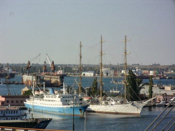Киев жалуется на блокирование Россией украинских портов