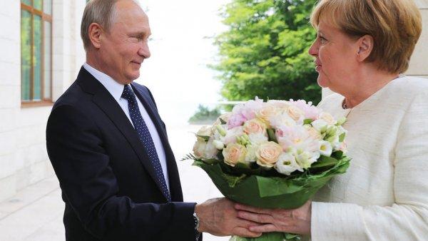 Может ему носки дома вязать: Пользователи опасаются новых санкций после встречи Путина с Меркель