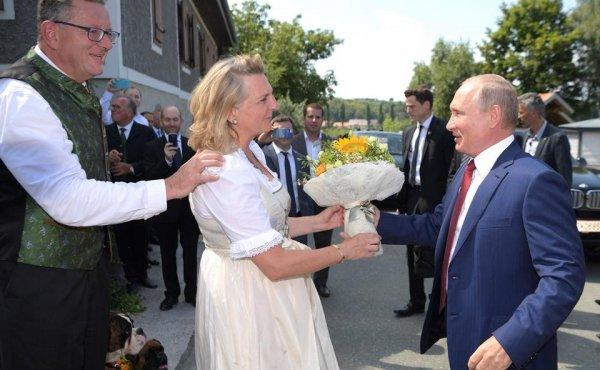 Танцы Путина в Австрии поставили в тупик мировую разведку