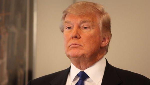 Трамп проигнорировал умирающего Маккейна, но похвалил «подлиз» Уэст-Кардашьян