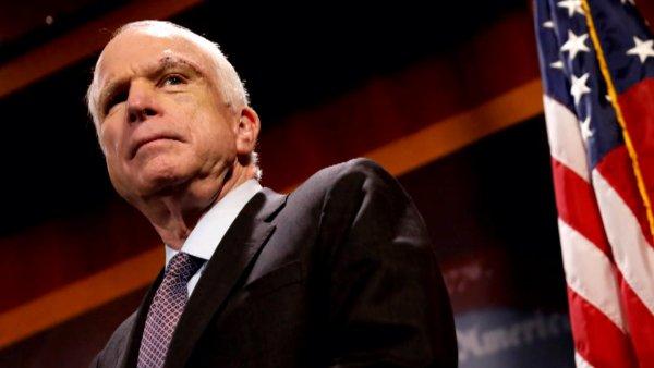В США умер республиканец Джон Маккейн