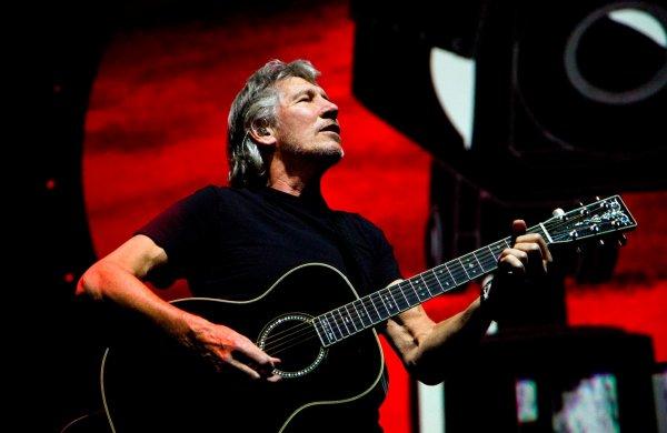 С русскими воюют только сумасшедшие: Лидер Pink Floyd обвинил Запад в демонизации России