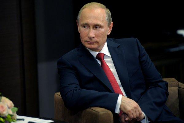 «Они сейчас невозможны»: Песков отозвался о контактах Путина с и.о. главы ДНР