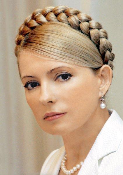 Грудь за голос: Юлия Тимошенко сверкнула декольте в преддверии выборов на Украине