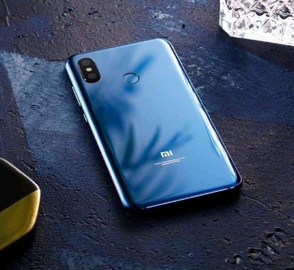 Стала известна цена смартфона Xiaomi Mi 8 Youth благодаря рекламному плакату