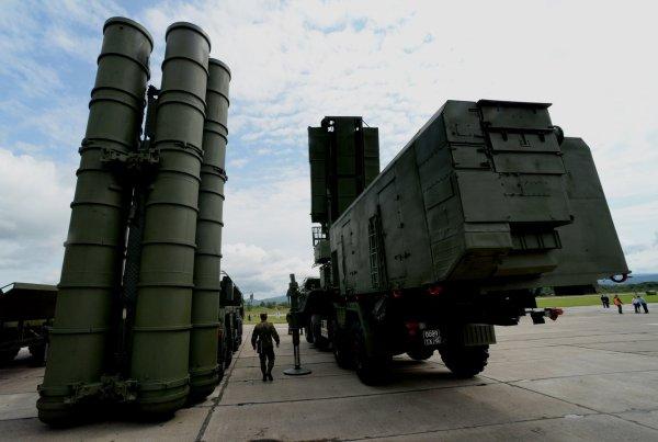 США продолжают угрожать Индии санкциями из-за покупки у России систем С-400