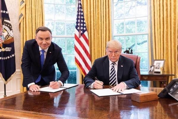 За снимок Дуды с Трампом польский телеканал уволил сотрудника