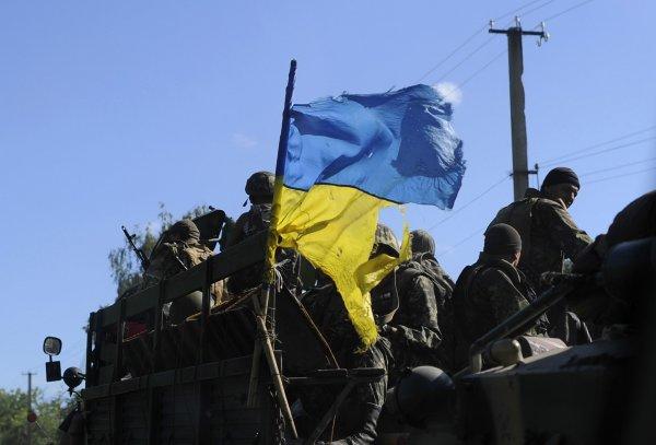 Украинские силовики захватили хутор в ЛНР и выселяют оттуда мирных жителей
