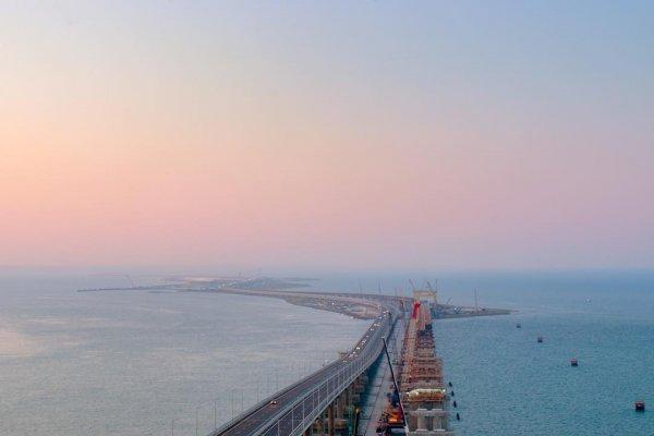 Киев не может определиться с версией прохода кораблей в Азовском море