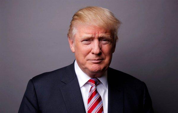 СМИ: Дональд Трамп селфи с собой оценил в 70 000 долларов