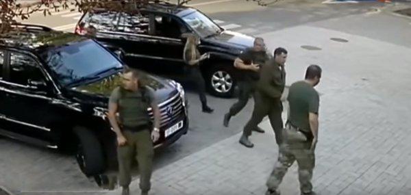На камеру сняли последние секунды жизни Захарченко