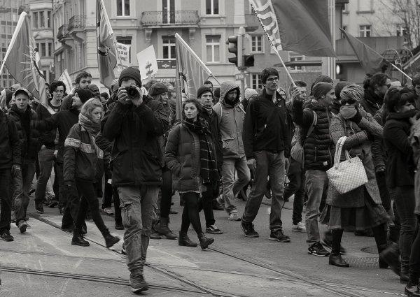 Неизвестные открыли стрельбу на стихийном митинге в Ингушетии