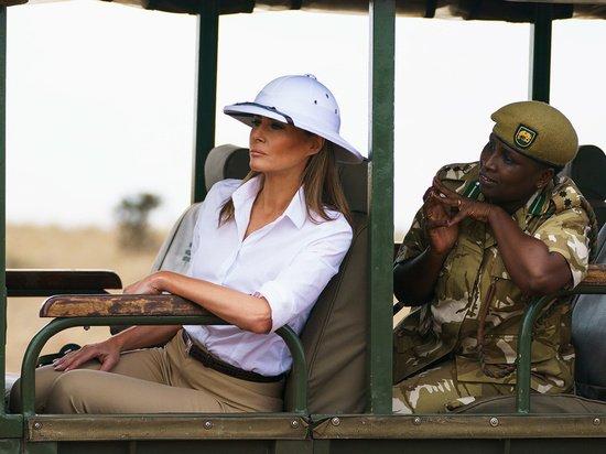 Мелания Трамп приехала в Кению в наряде рабовладельца