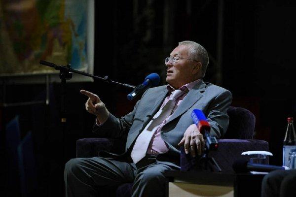 Жириновский рассказал о «закрывающей всю Землю» С-700