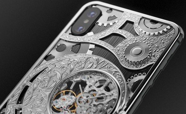 В Caviar создали iPhone XS с часами-скелетонами