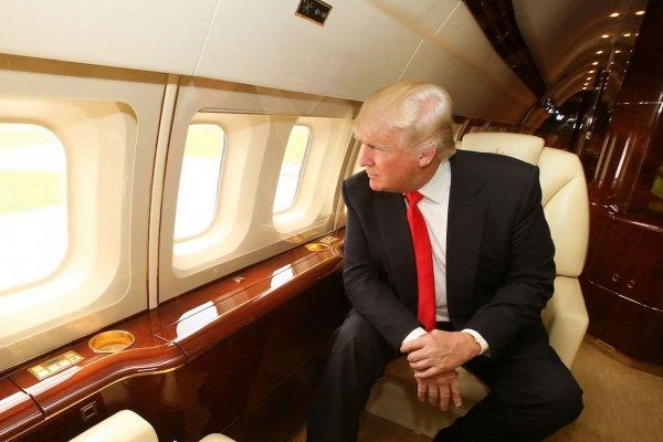 За год Пентагон потратил 34 млн долларов на интерьер самолетов Трампа