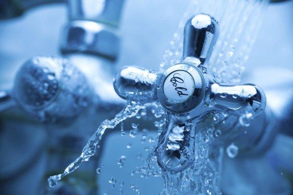 Украинцам рассказали о положительных сторонах отказа от горячей воды