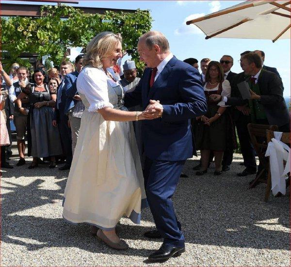 Российский эксперт назвал Путина в Австрии «свадебным людоедом»