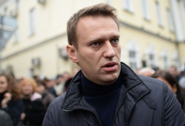Замордовали демоны: Задержанный Навальный покинул ОВД Даниловский на скорой помощи