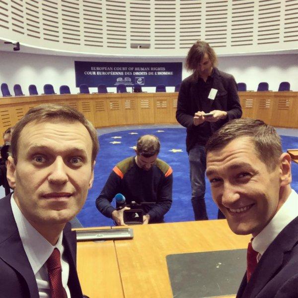 «Как Порошенко»: Сторонники Навального осудили его победу в ЕСПЧ