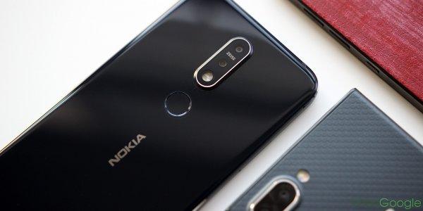 Эксперты назвали пять лучших Android-смартфонов для подарка на Новый год