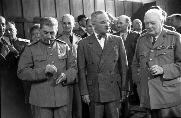 Минобороны рассекретило документ приказа Сталина о бомбардировке Берлина