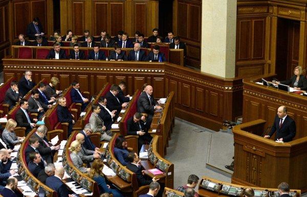 В Верховной Раде призвали лишать гражданства украинцев-предателей