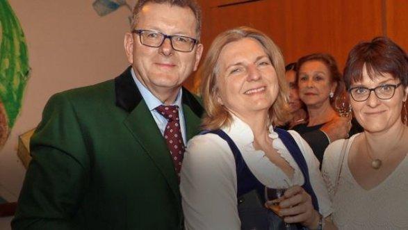 СМИ: Путина пригласили на свадьбу главы МИД Австрии